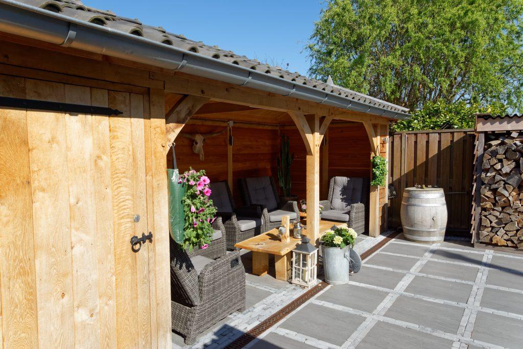 houten-tuinhuis-met-overkapping-1-1024x683 - Tuinhuis met overkapping