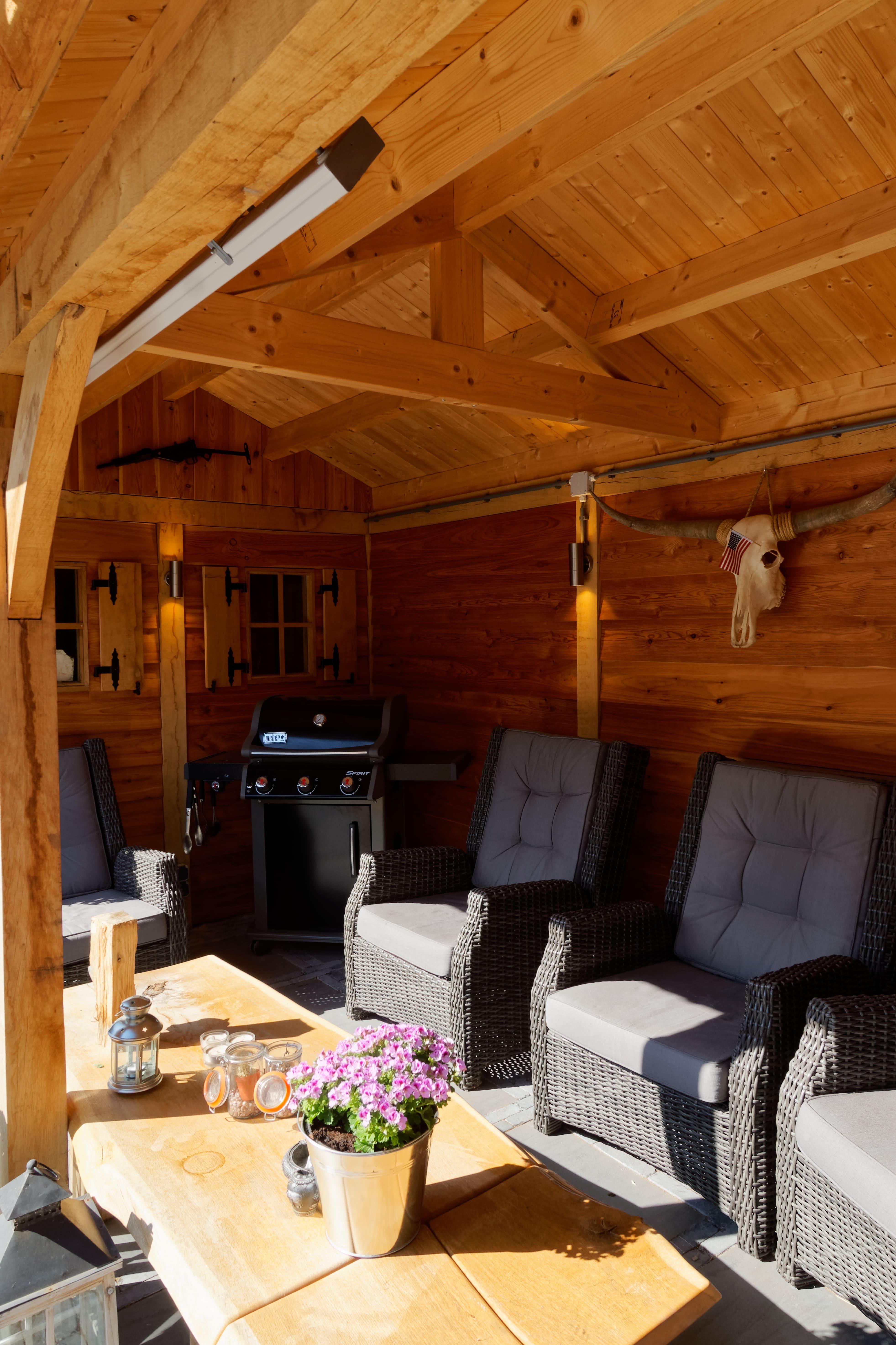 houten-tuinhuis-met-overkapping-2 - Project Hoofddorp: Eiken tuinhuis met veranda