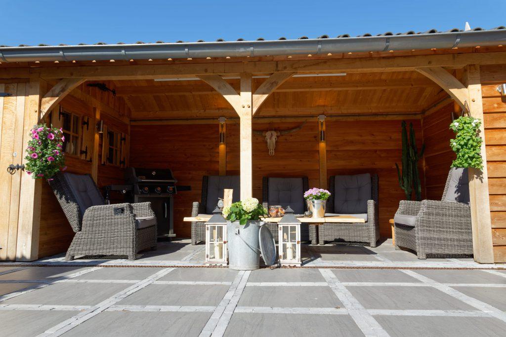 houten-tuinhuis-met-overkapping-4-1024x683 - Tuinhuis met overkapping