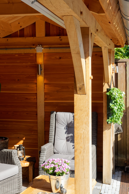 houten-tuinhuis-met-overkapping-5 - Project Hoofddorp: Eiken tuinhuis met veranda