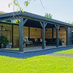Sfeervolle houten tuinkamer