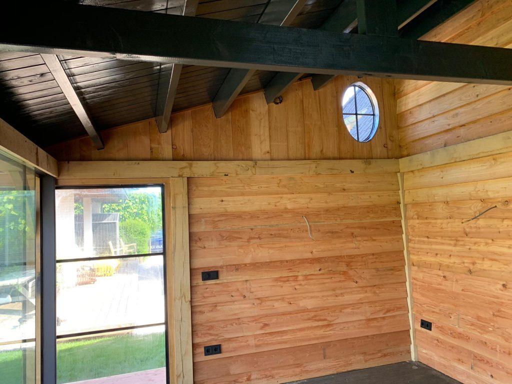 Luxe-tuinkamer-met-glazen-schuifwanden-en-sauna-1-1024x768 - Luxe tuinkamer aan het water