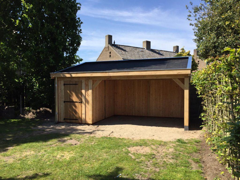 overkapping-met-zonnepanelen-1024x768 - Tuinhuis met zonnepanelen