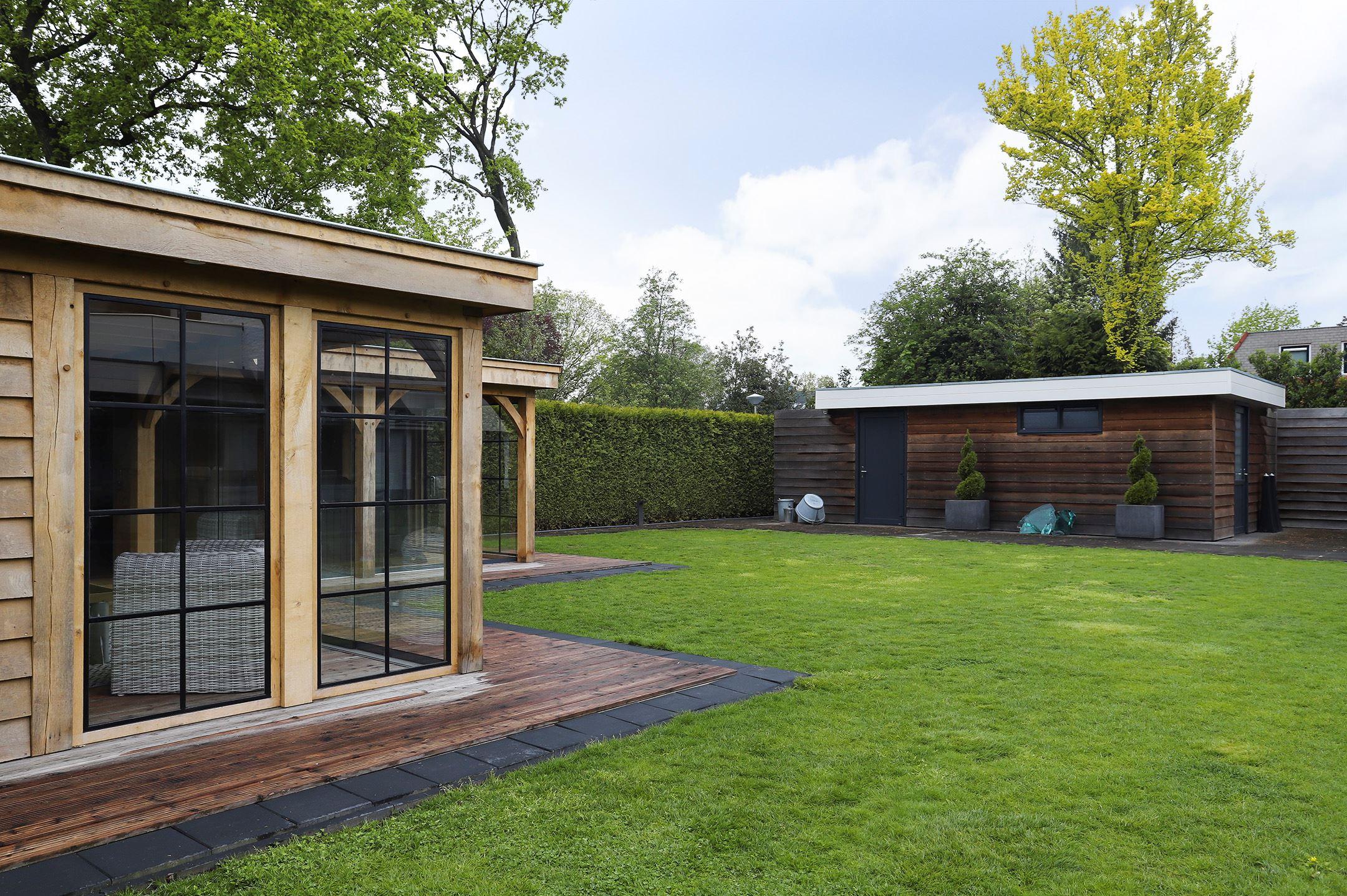 Eiken-overkapping-met-jacuzzi-2 - Project Hardenberg: Eiken tuinkamer met jacuzzi overkapping hoekmodel.