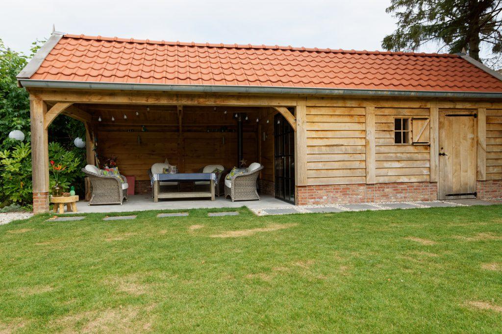 Eiken-kapschuur-met-veranda-15-1024x683 - Eiken Schuur met overkapping.