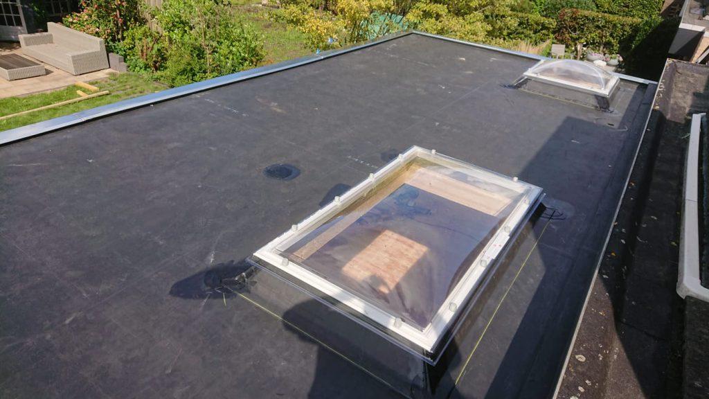 eiken-overkapping-aanbouw-2-1024x576 - Houten overkapping tegen bestaande woning.