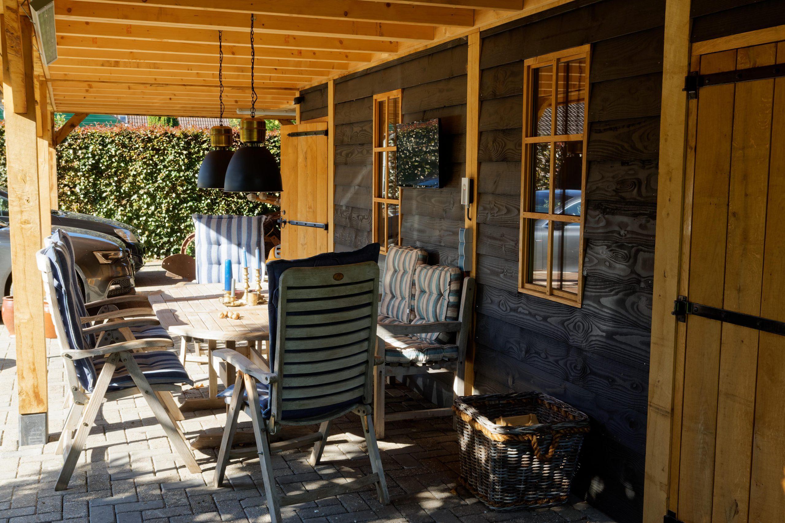 Landelijk-houten-schuur-3-scaled - Landelijke Schuur met carport