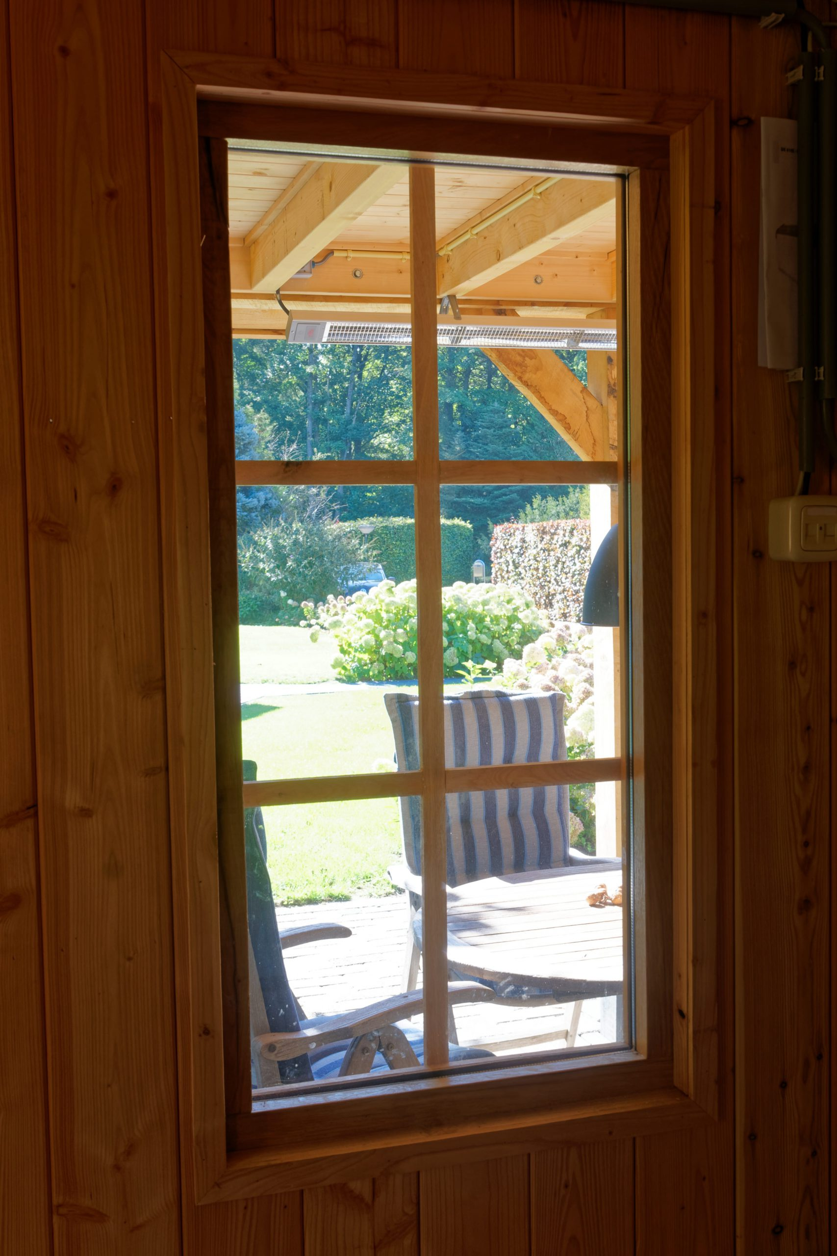 Landelijk-houten-schuur-5-scaled - Landelijke Schuur met carport