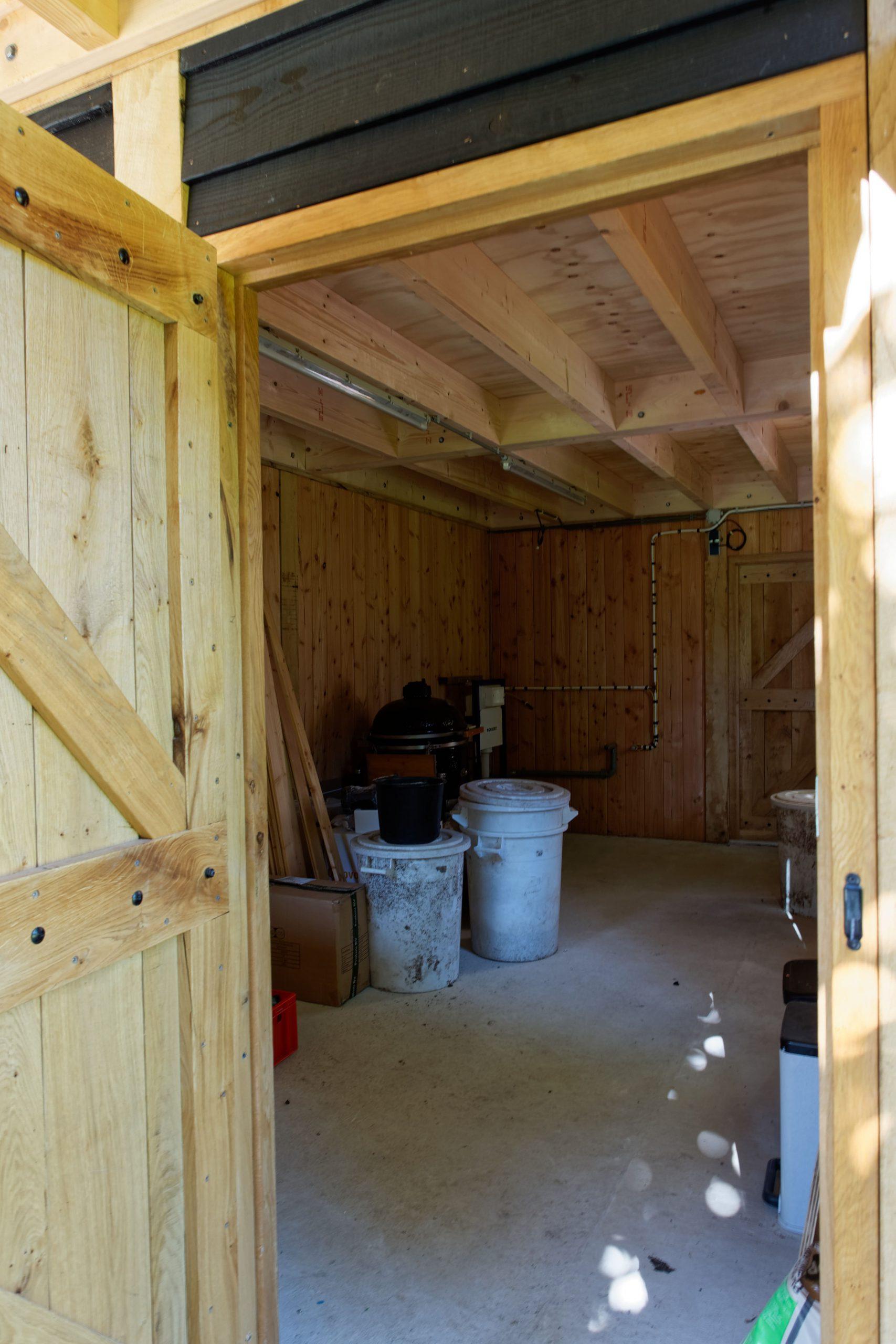 Landelijk-houten-schuur-6-scaled - Landelijke Schuur met carport