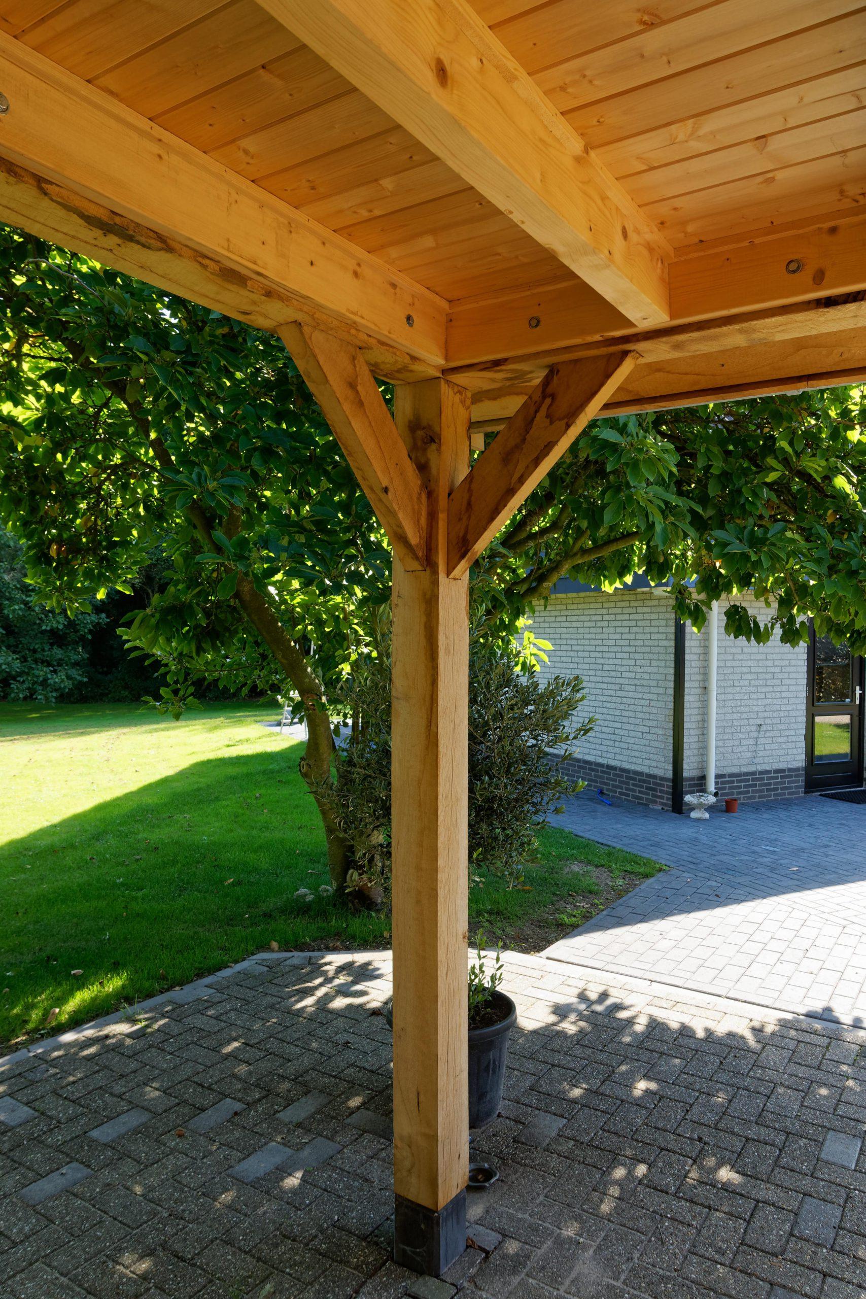 Landelijk-houten-schuur-8-scaled - Landelijke Schuur met carport