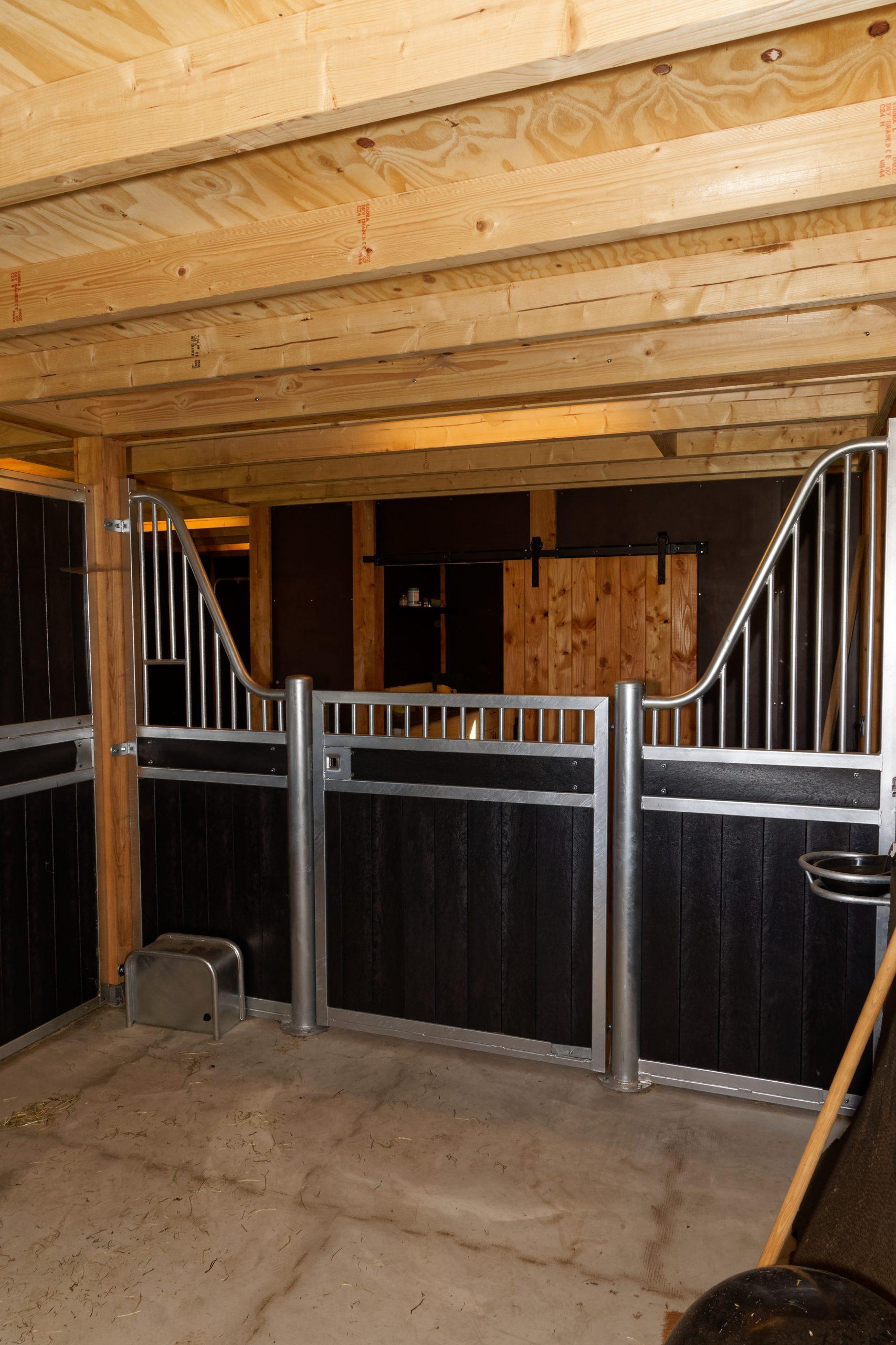 houten-schuur-met-paardenstallen-12-scaled - Project Hardenberg: Grote houten schuur met paardenstallen.