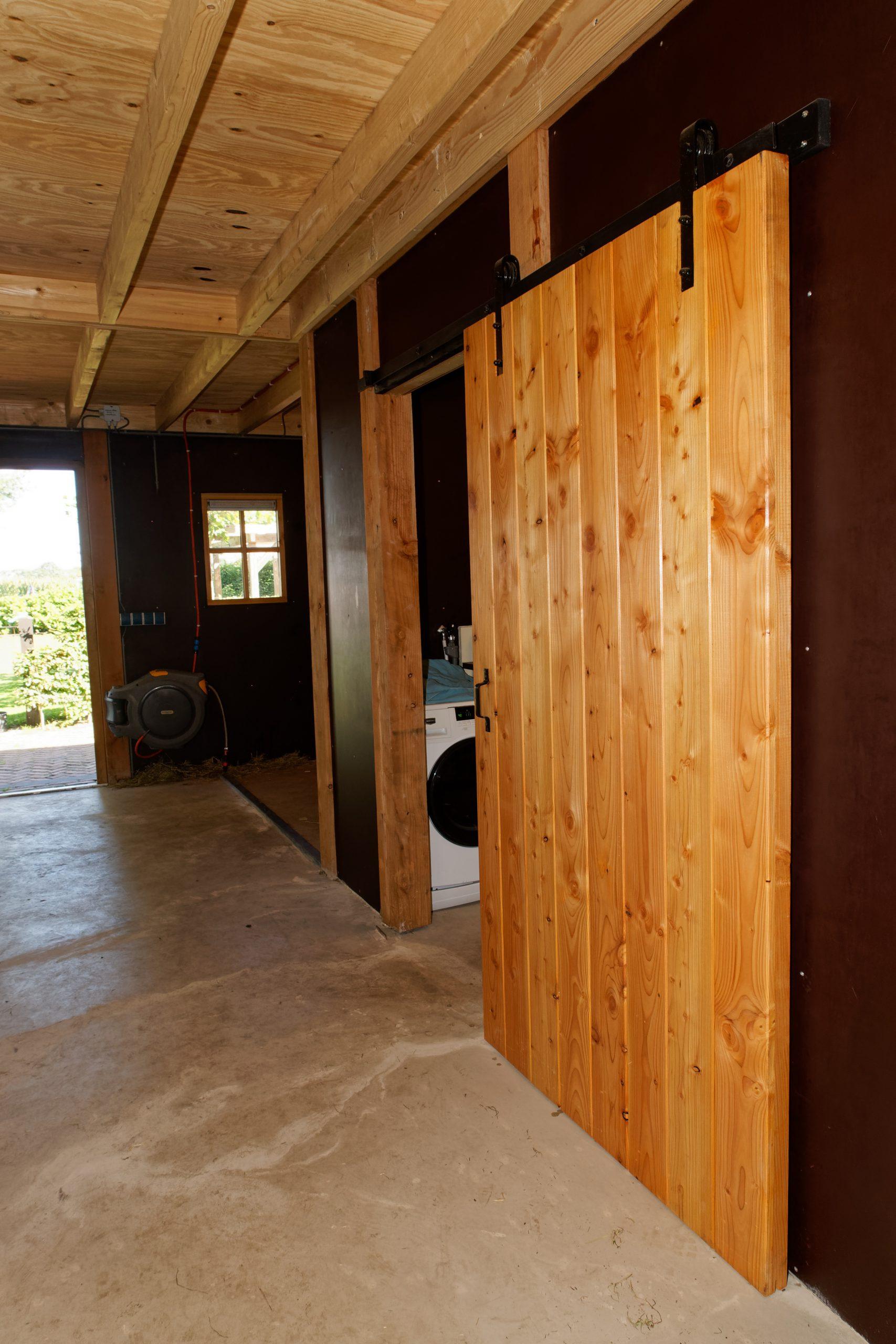 houten-schuur-met-paardenstallen-14-scaled - Project Hardenberg: Grote houten schuur met paardenstallen.