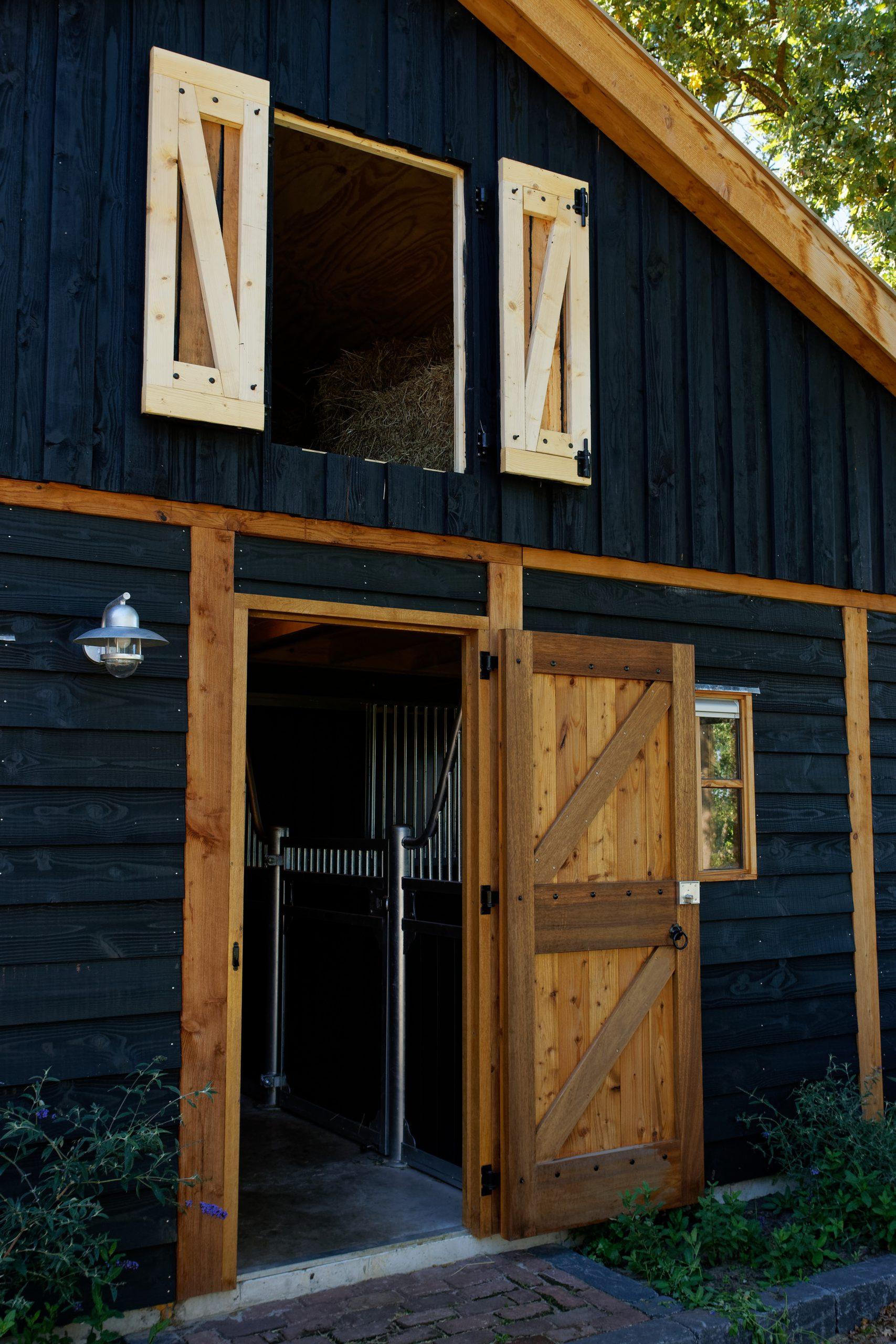 houten-schuur-met-paardenstallen-25-scaled - Project Hardenberg: Grote houten schuur met paardenstallen.