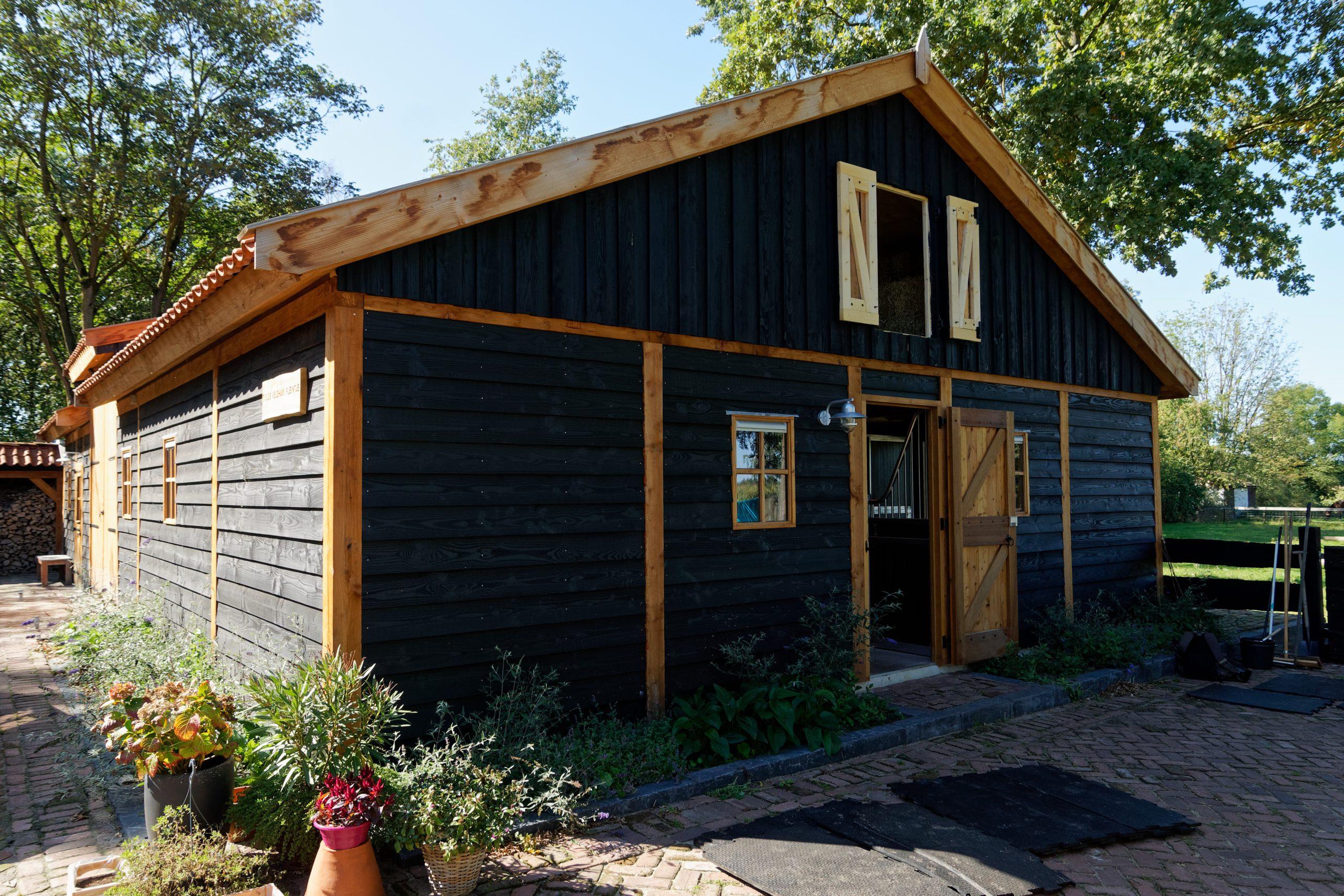 houten-schuur-met-paardenstallen-26-scaled - Project Hardenberg: Grote houten schuur met paardenstallen.