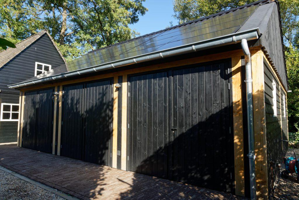 houten-garage-met-zonnepanelen-1-1024x683 - Houten garage met Zonnepanelen