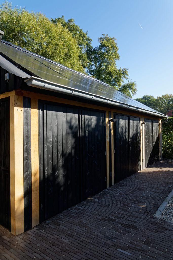 houten-garage-met-zonnepanelen-3-683x1024 - Houten garage met Zonnepanelen
