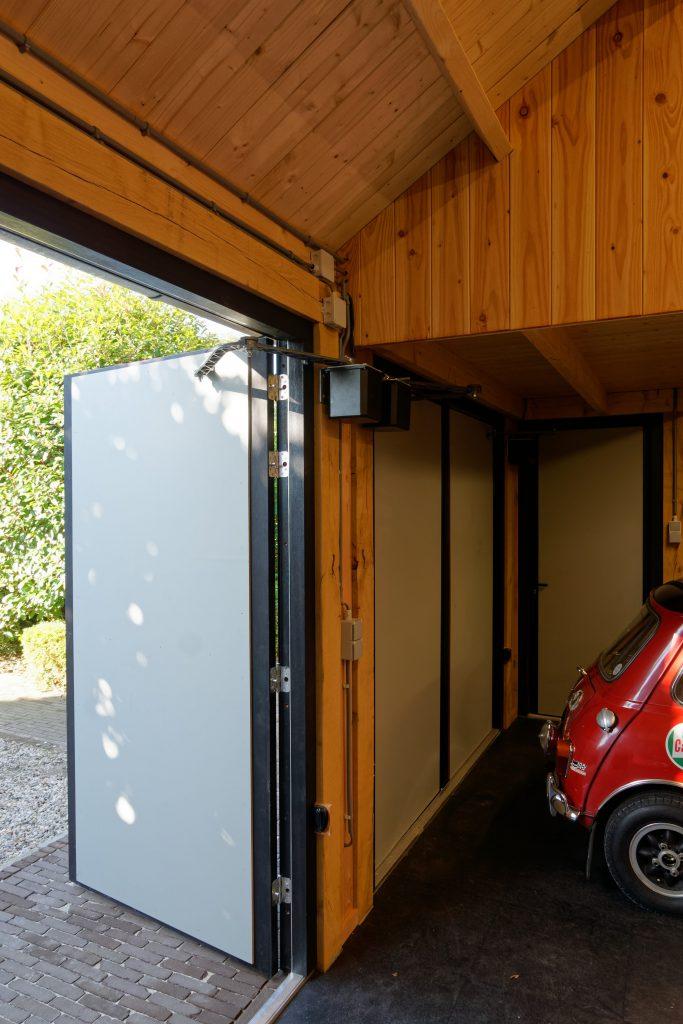 houten-garage-met-zonnepanelen-5-683x1024 - Houten garage met Zonnepanelen