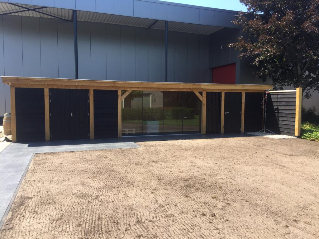 Houten-bijgebouw-met-sauna-en-tuinkamer-3-1024x768 - Houten bijgebouw met tuinkamer en sauna.