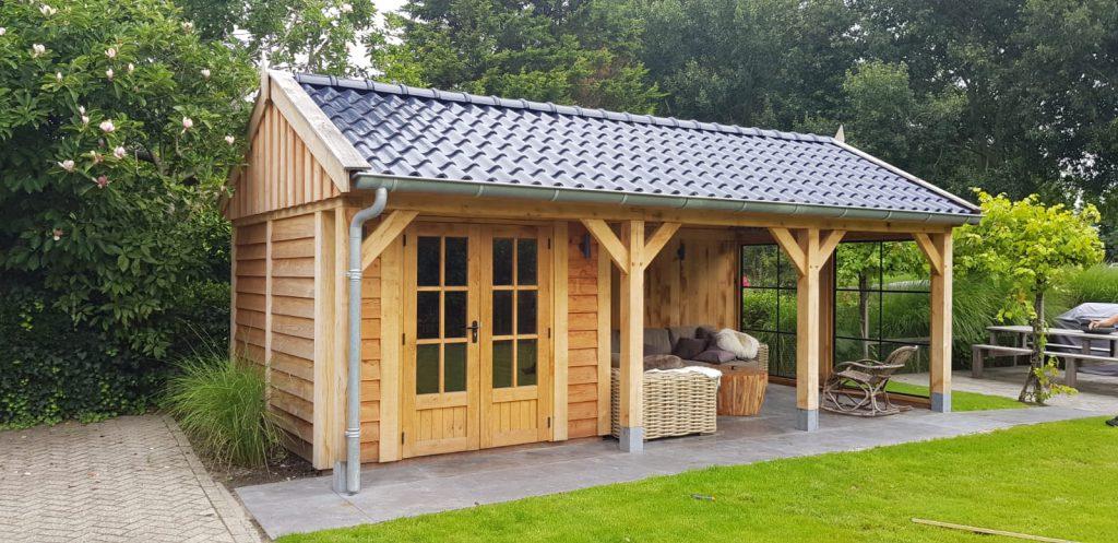 Houten-tuinhuis-met-veranda-3-1024x497 - Houten Tuinhuis met veranda