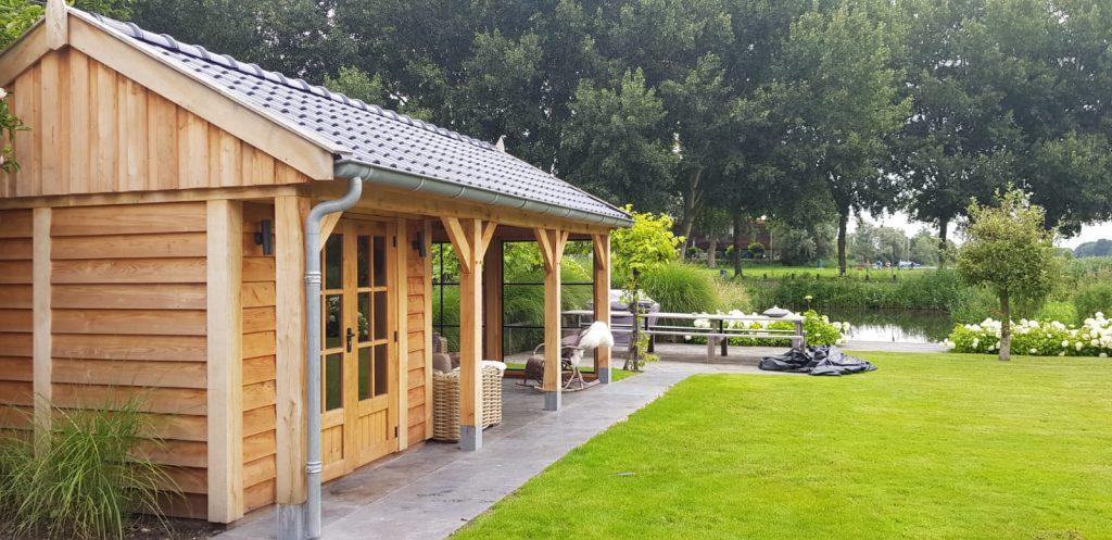 Houten-tuinhuis-met-veranda-4-1024x497 - Houten Tuinhuis met veranda