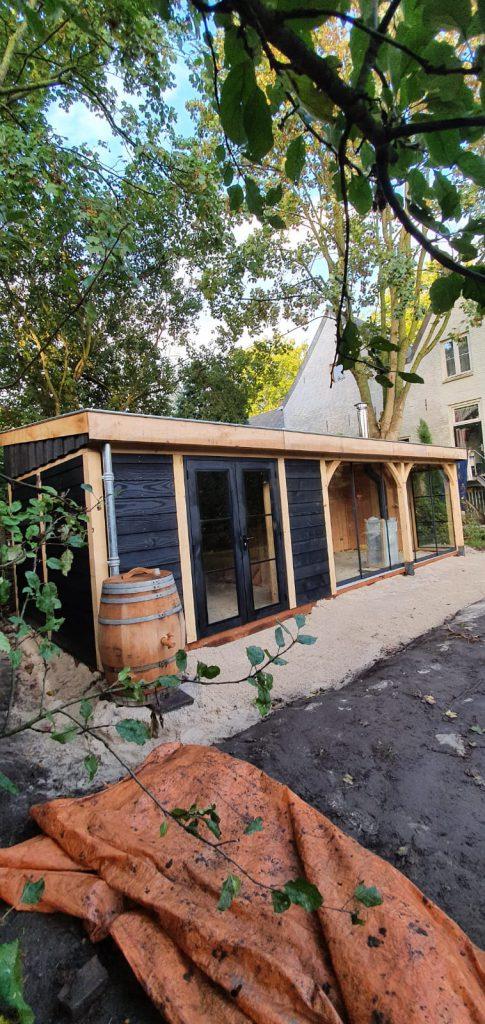 houten-tuinhuis-met-veranda-groendak-1-485x1024 - Tuinhuis met veranda groendak