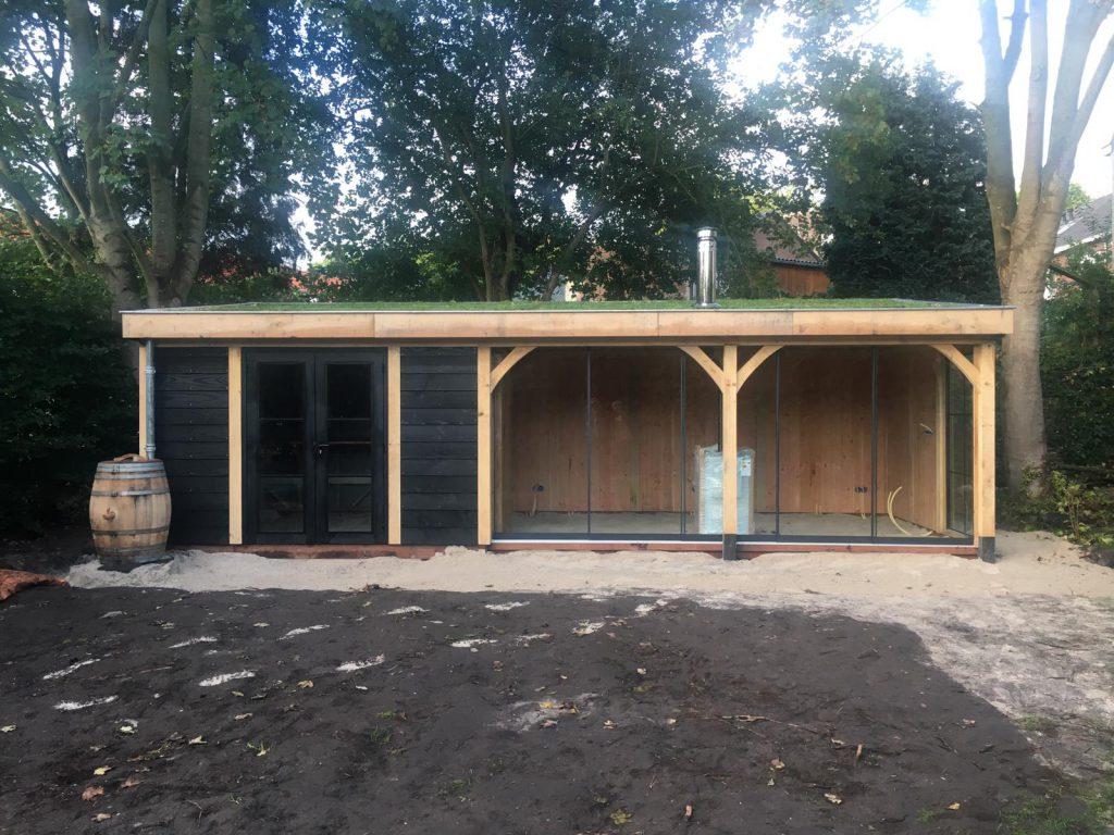 houten-tuinhuis-met-veranda-groendak-4-1024x768 - Tuinhuis met veranda groendak