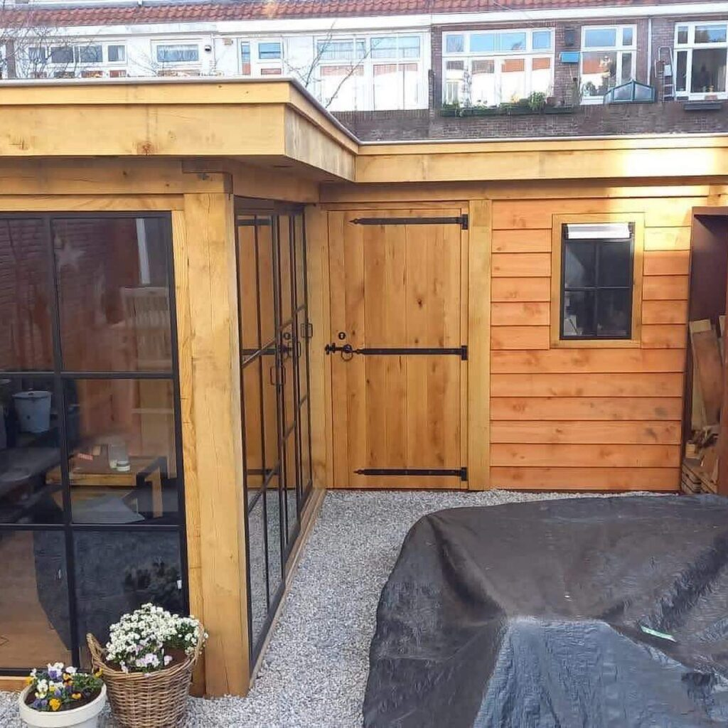 Hoekmodel-terrasoverkapping-2-1024x1024 - Stijlvolle garage met tuinkamer.