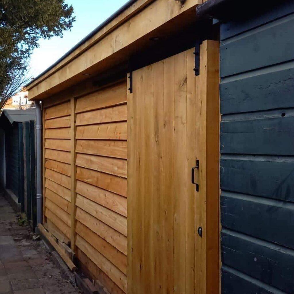 Hoekmodel-terrasoverkapping-4-1024x1024 - Stijlvolle garage met tuinkamer.