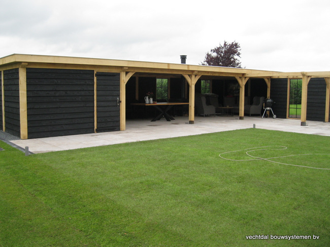 Eiken-poolhouse-met-pergola-1 - Houten terrasoverkapping