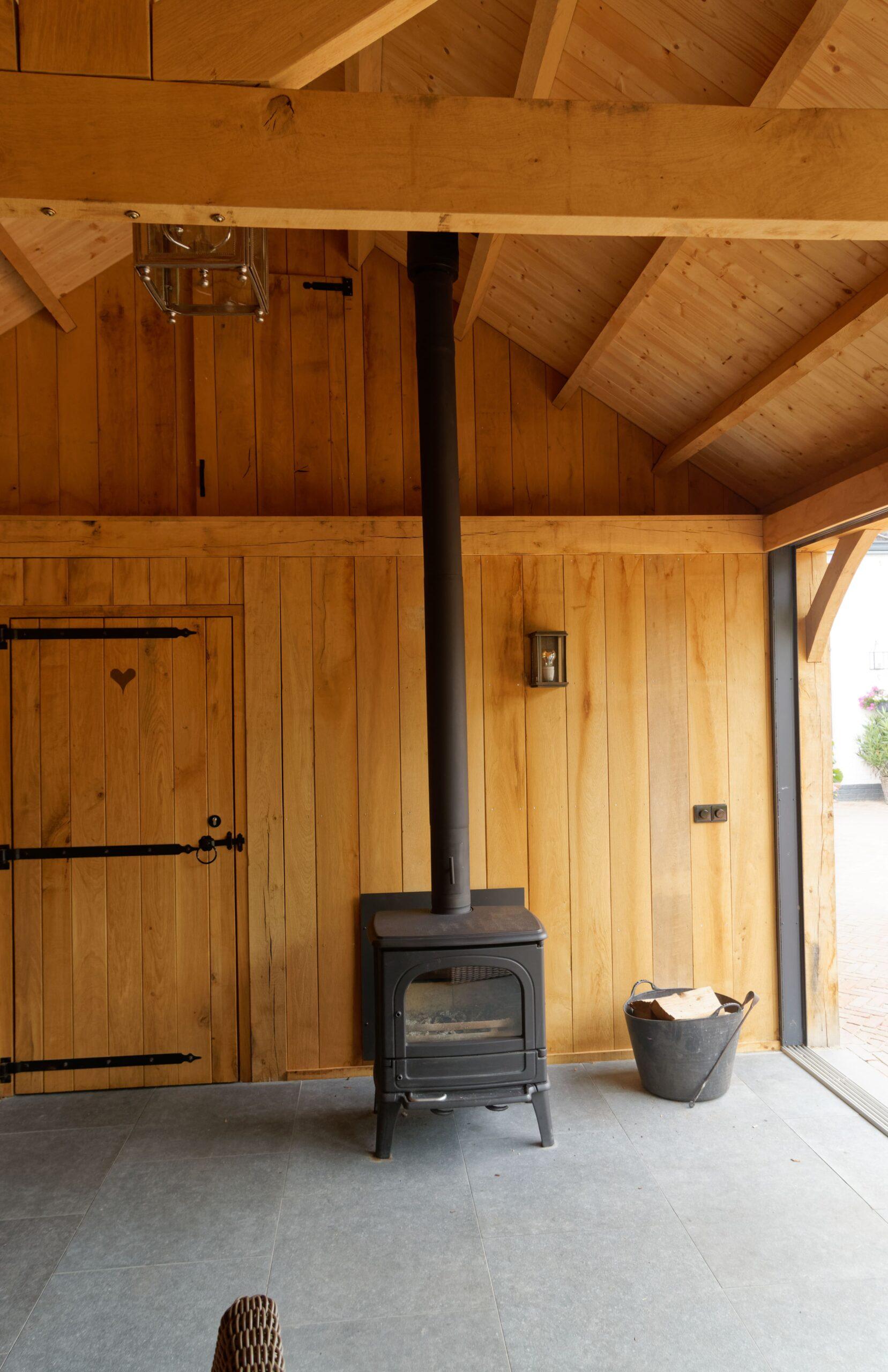 Eiken-bijgebouw-12-scaled - Project Laren: Houten schuur met sauna en tuinkamer