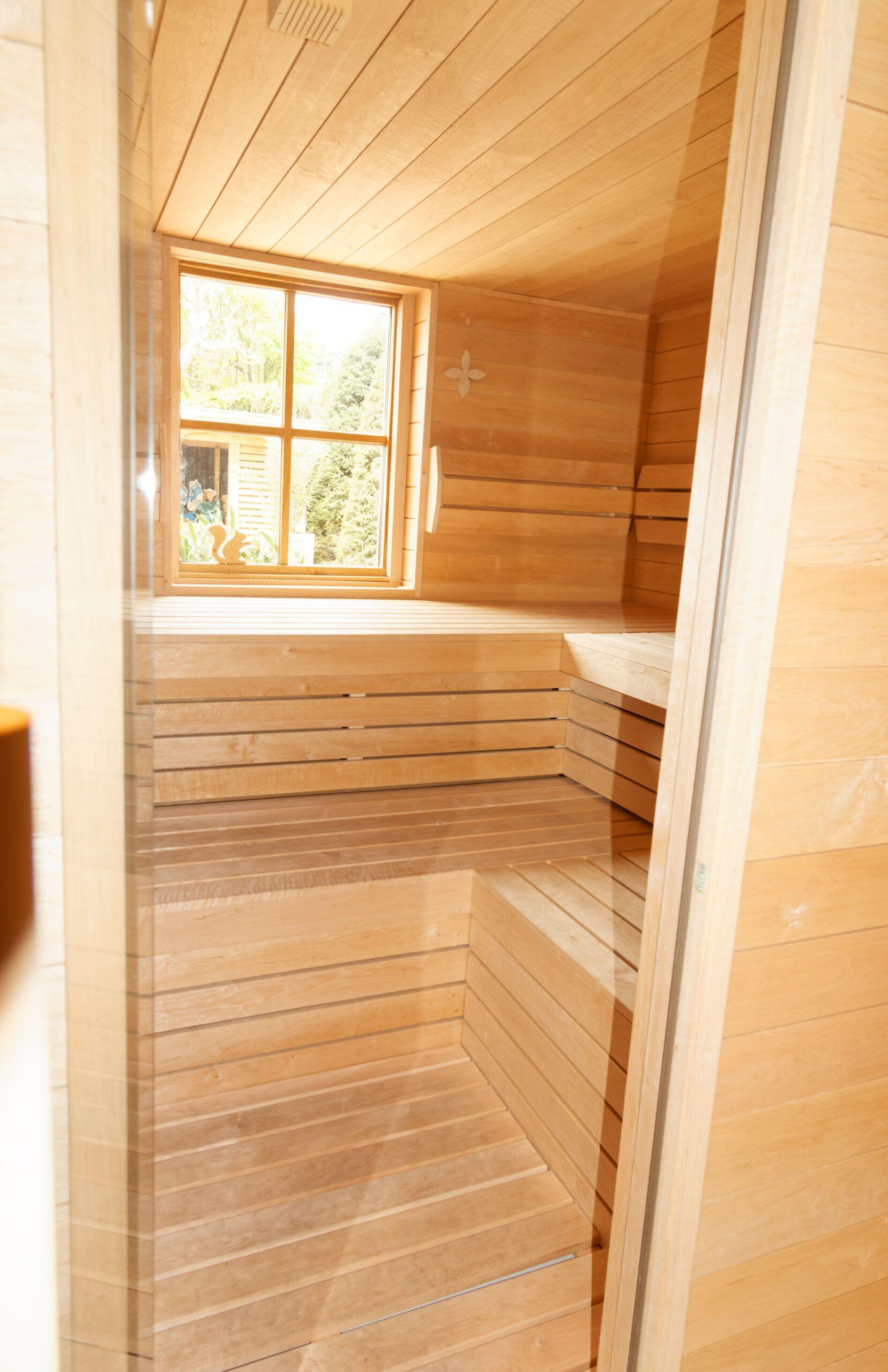 Eiken-bijgebouw-14-scaled - Project Laren: Houten schuur met sauna en tuinkamer