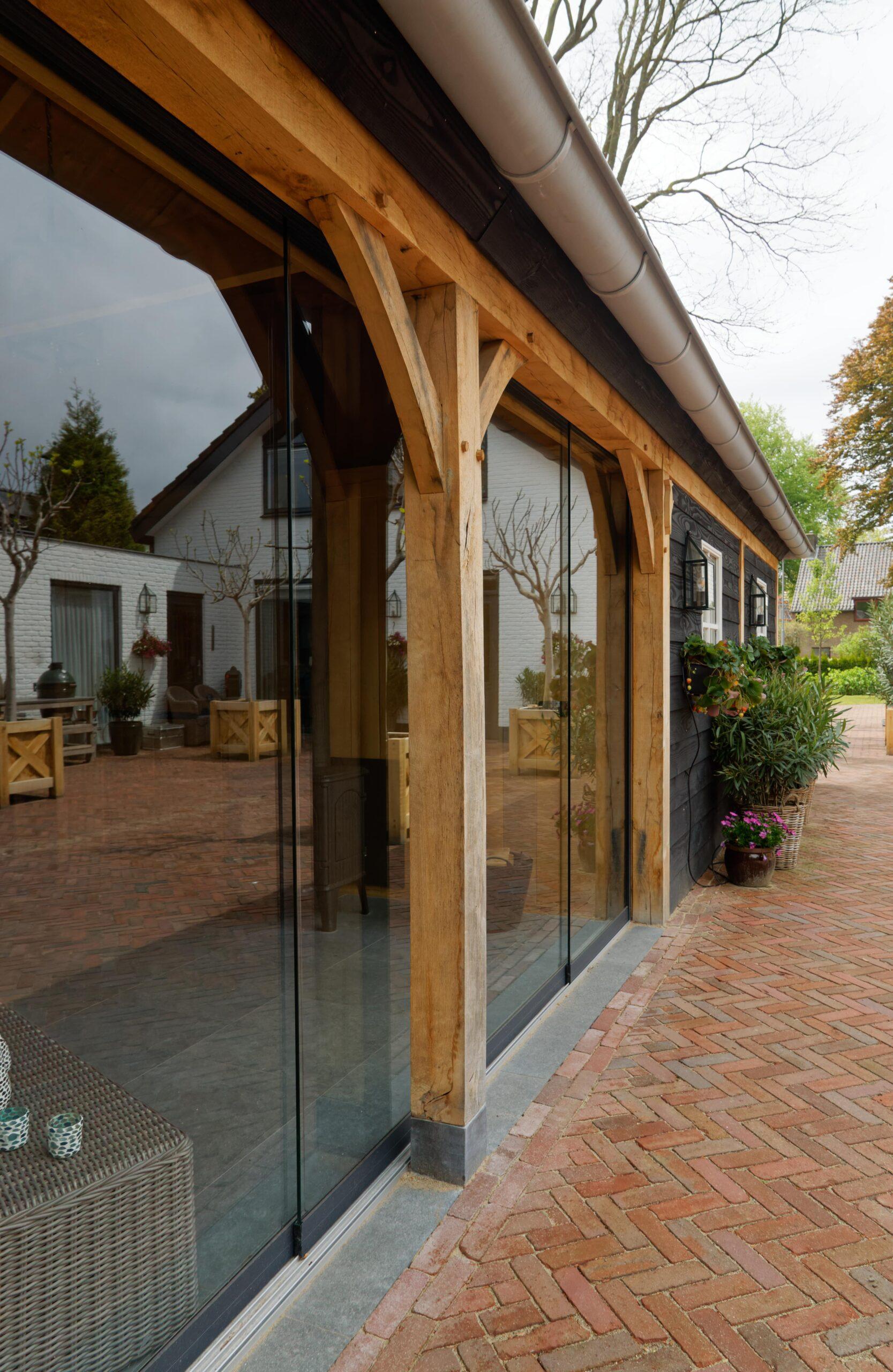 Eiken-bijgebouw-18-scaled - Project Laren: Houten schuur met sauna en tuinkamer