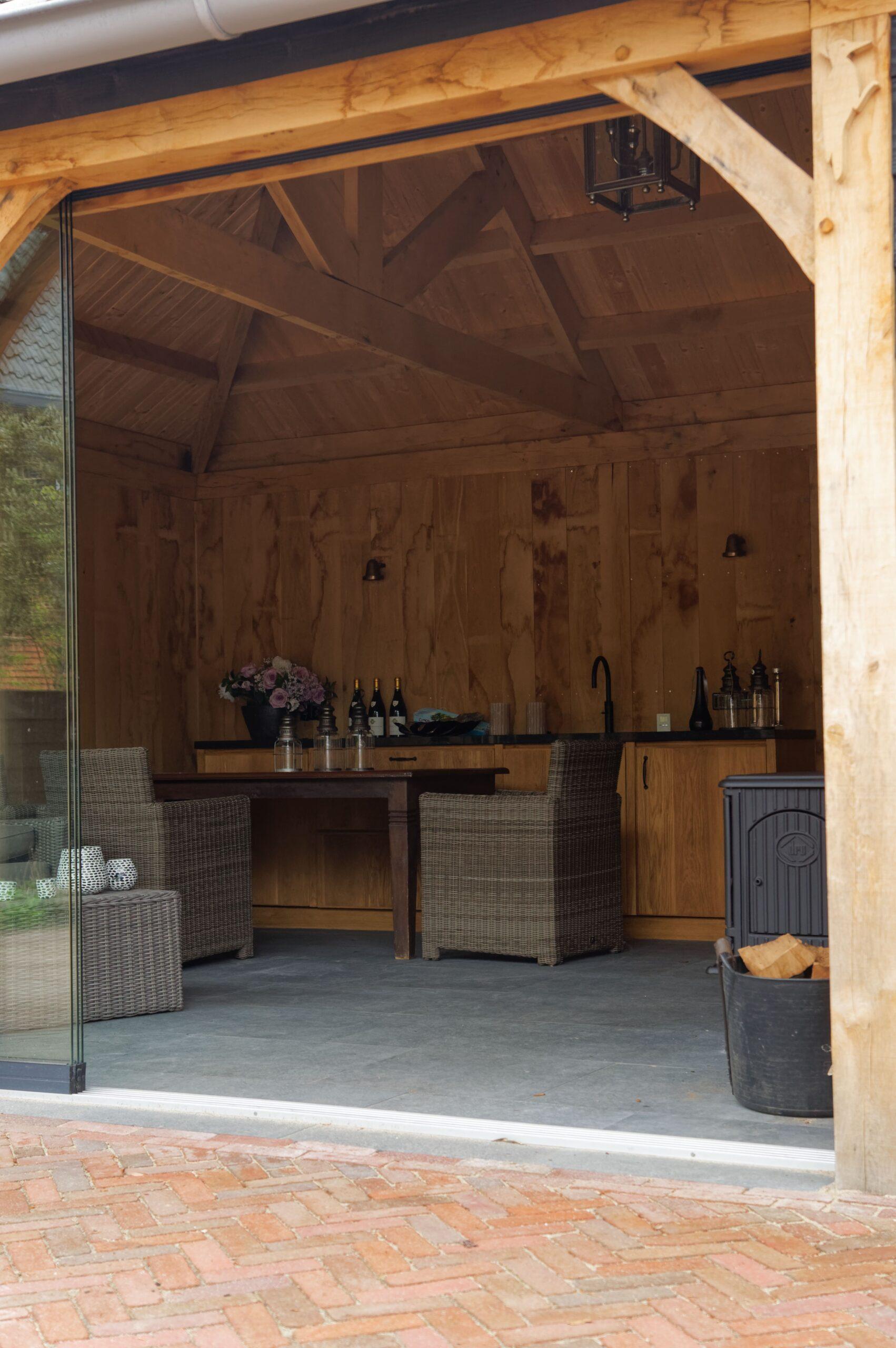 Eiken-bijgebouw-8-scaled - Project Laren: Houten schuur met sauna en tuinkamer