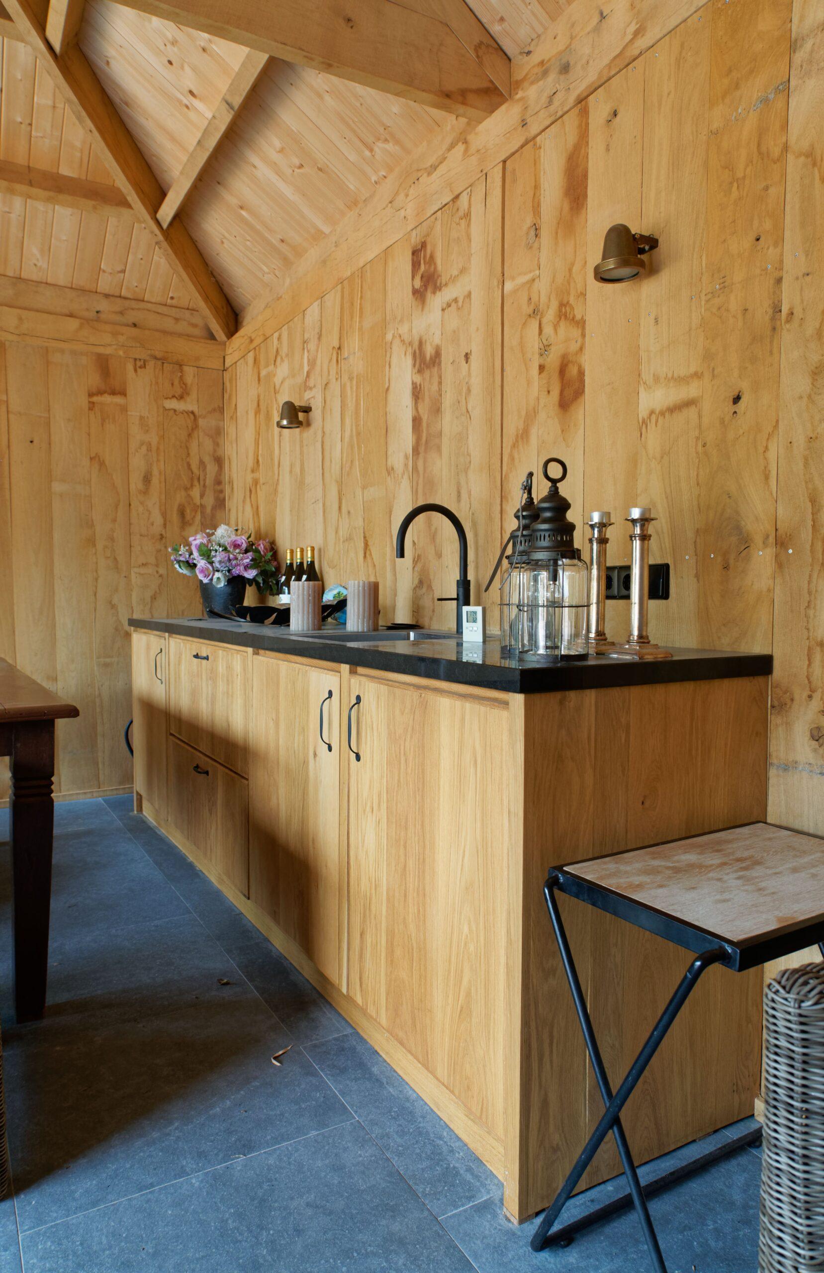 Eiken-bijgebouw-9-scaled - Project Laren: Houten schuur met sauna en tuinkamer