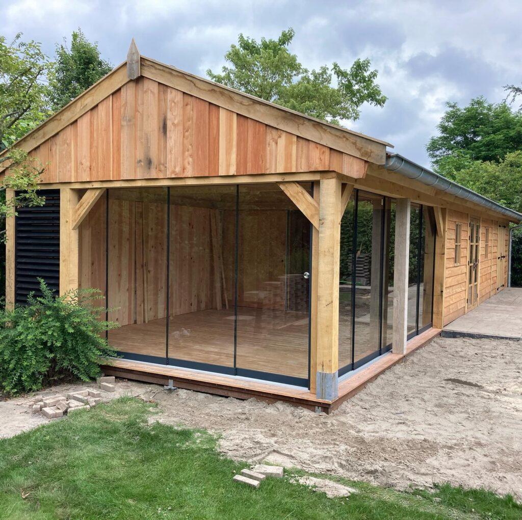 Eiken-bijgebouw-met-mancave-en-tuinkamer-3-1024x1021 - Bijgebouw met tuinkamer