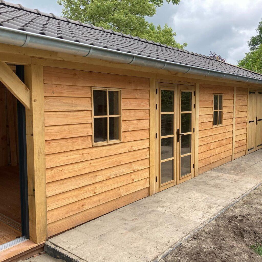Eiken-bijgebouw-met-mancave-en-tuinkamer-6-1024x1021 - Bijgebouw met tuinkamer