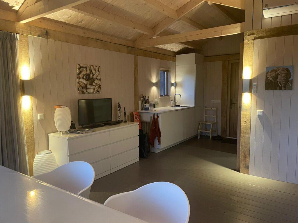 eiken-atelier-met-groendak-1-1024x768 - Houten atelier/verblijfsruimte