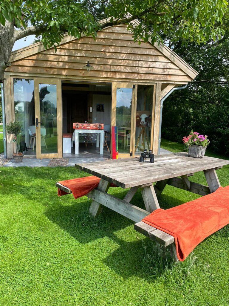 eiken-atelier-met-groendak-6-768x1024 - Houten atelier/verblijfsruimte